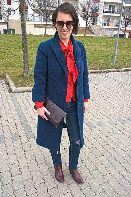 VGRV blog, navy coat, Topshop destroyed  jeans, vintage burgundy clutch, red blouse with bow, burgundy boots