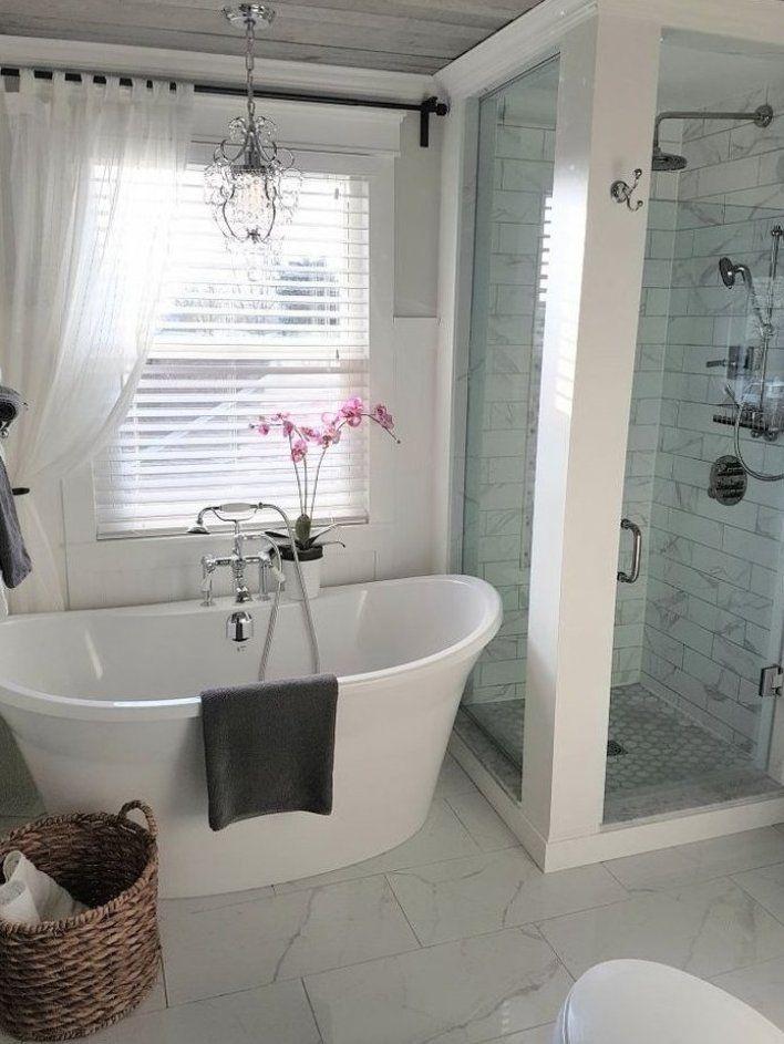 Freestanding Tub And Shower In Farmhouse Bathroom Ideas And Inspo For Remodeling Bathroomremodel Homedec In 2020 Bathroom Interior Bathroom Design Bathrooms Remodel