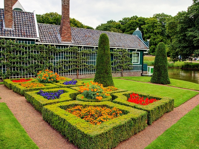 Openluchtmuseum by ricban1950, via Flickr