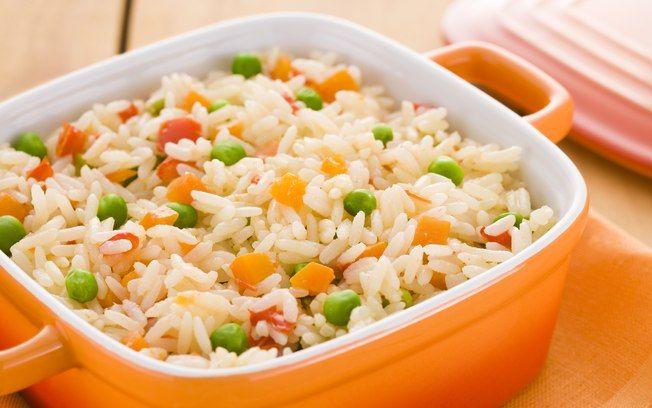Esse arroz tem uma apresentação bem colorida e é uma delícia, todo mundo gosta ;) #arrozgrega #arroz #comida #receitas