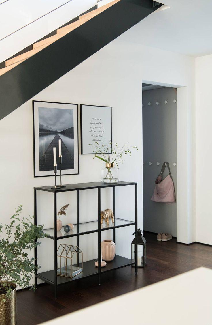 Metallregal Ikea Vittsjo Unter Der Treppe Im Flur Mit Bildern