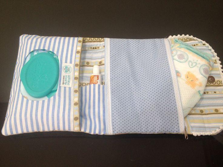 Acompanhe o passo à passo de como fazer um Kit de Higiene no seu bebê em tecido com bolsinho vazado para o lenço e bolso com ziper para a fralda.