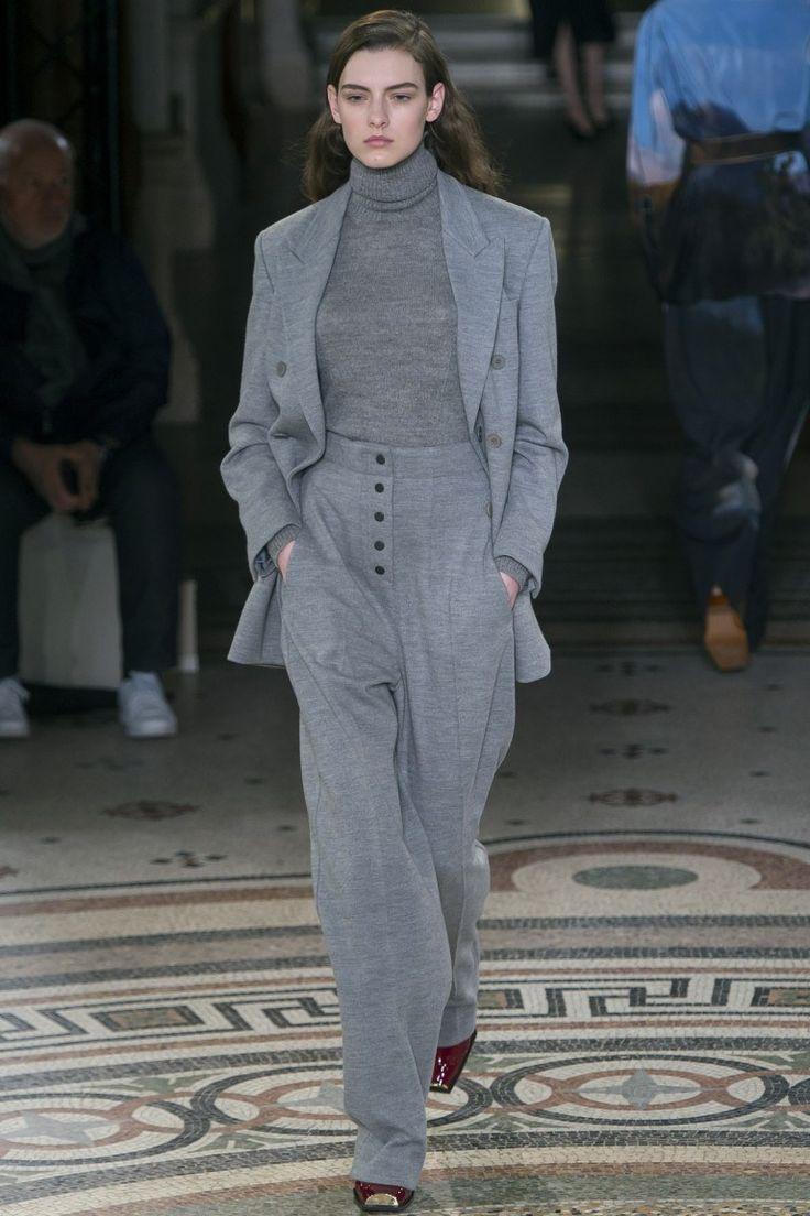 Показ коллекции Stella McCartne - A/W 2017/2018 Ready-To-Wear
