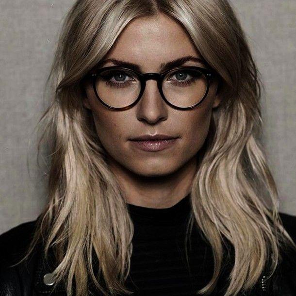 Cosmopolitan Fashionlena Abandoned Moodboard Glasses Fashion Womens Outfit Trendy Frames P In 2020 Lena Gercke Frisur Pony Frisur Brille Frisuren Mit Brille