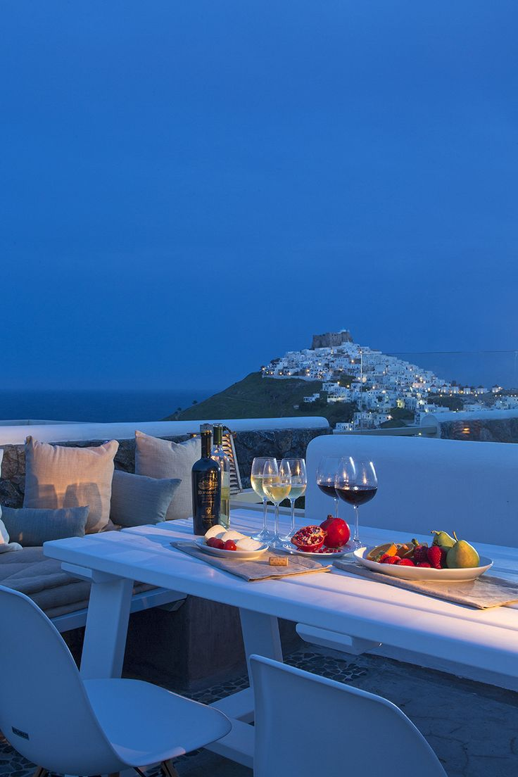 A view that will sooth your senses and add ounces of relaxation to your stay in Astypalaia. http://www.tresorhotels.com/en/hotels/39/melo-grano#content