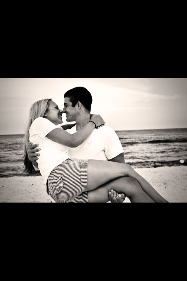 Couple beach pictures