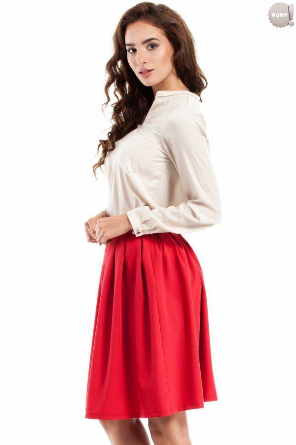 Czerwona, spódnica rozkloszowana (kontrafałdy) na podszewce, zapinana z boku na kryty zamek błyskawiczny. #spódnica #kloszowa #czerwona #elegancka #kobieta #moda #trendy