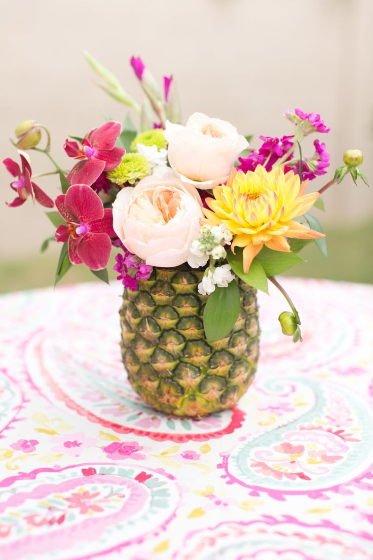 pinaple centerpieces for a tropical style bridal shower. Amy & Jordan Photography.   www.mysweetengagement.com
