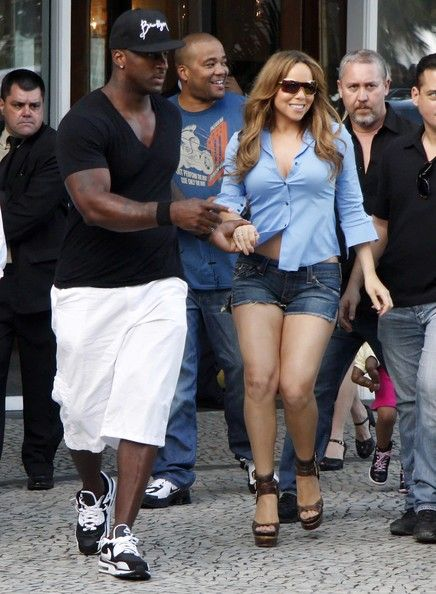 Mariah Carey Photos - American singing sensation Mariah Carey was pictured leaving the luxury Copacabana Palace Hotel, in Rio de Janeiro, where she is staying with husband Nick Cannon. The couple is in town for the Oi Fashion Rocks, along another international celebrities. - Mariah Carey Seen Leaving The Copacabana Palace Hotel