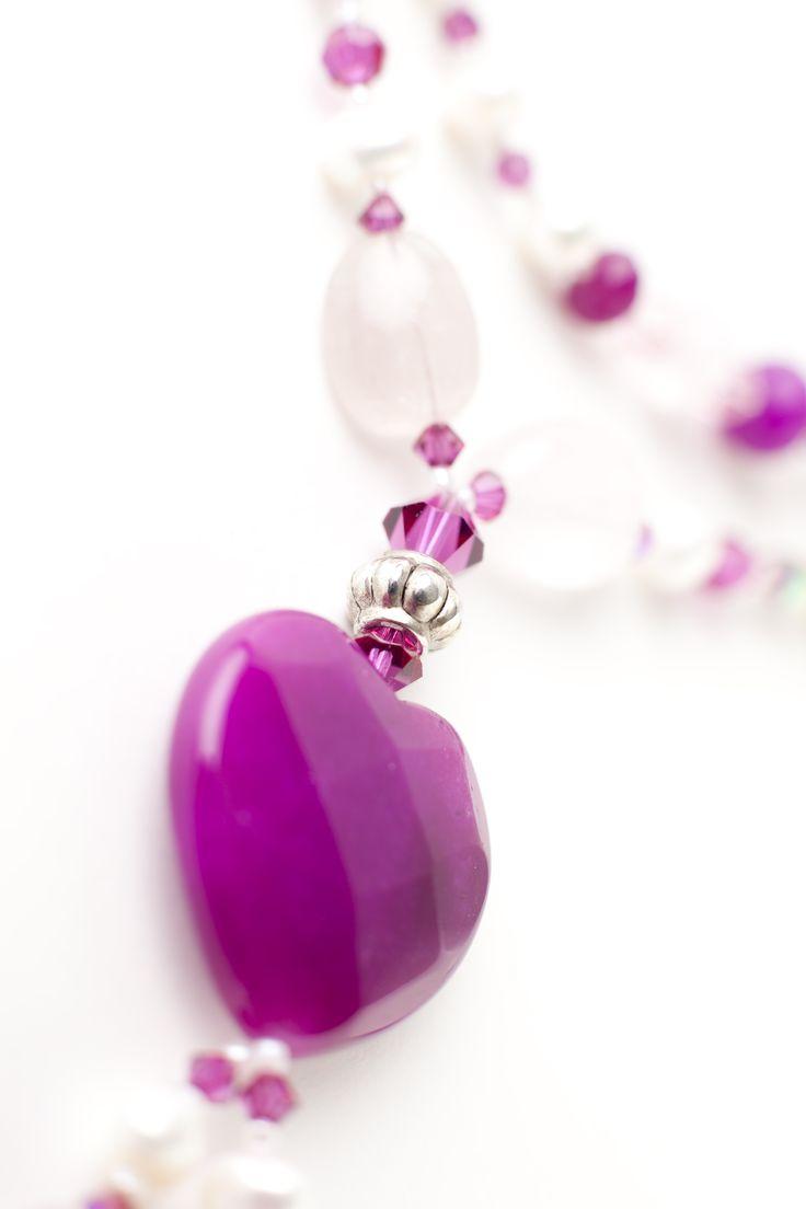 von ganzem Herzen.... Kette aus Rosenquarz in Kombination mit gefärbter Jade!