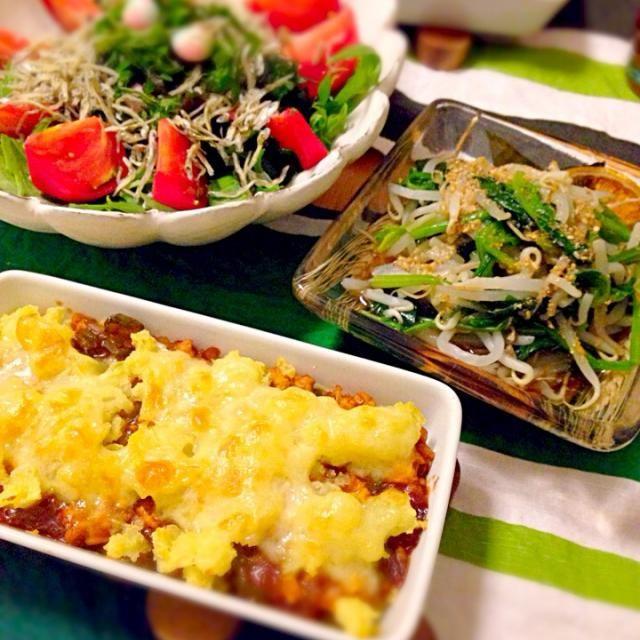5.16 - 23件のもぐもぐ - ポテトとミートソースの重ね焼き、ほうれん草ともやしのお浸し、海藻サラダ by nanananna