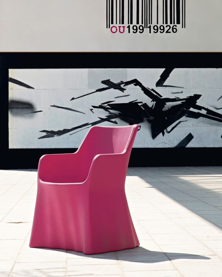 Phantom Chair in Fuchsia by Domitalia
