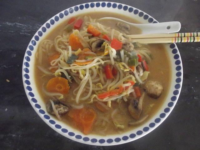 Sopa miso con noodles Ver receta: http://www.mis-recetas.org/recetas/show/81861-sopa-miso-con-noodles