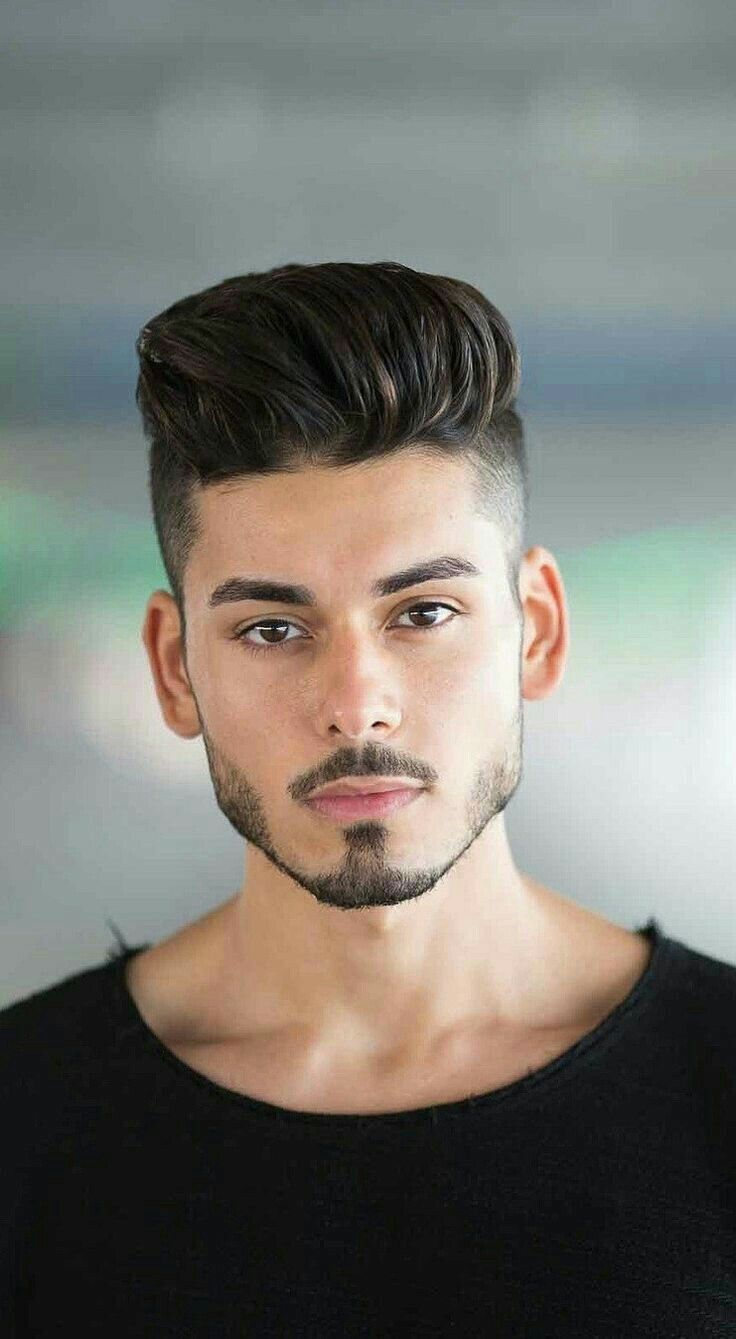 Hairstyle Man In 2020 Cool Hairstyles For Men Men Haircut Styles Beard Styles For Men