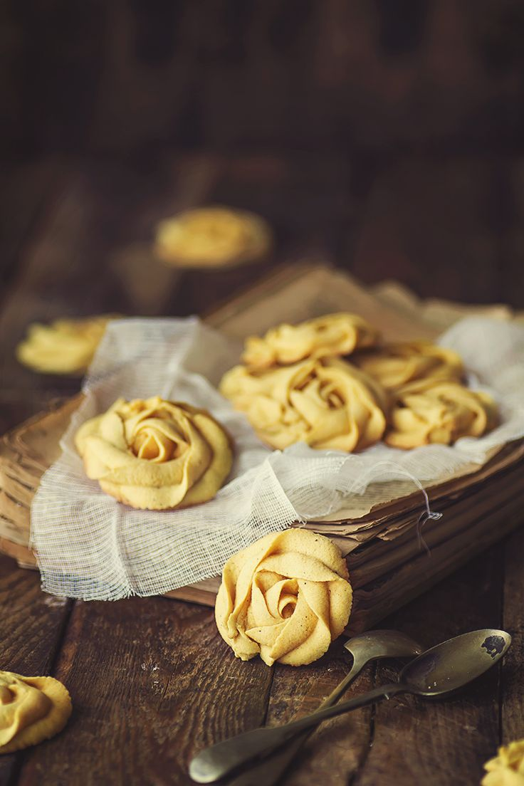 Tea: Rose cookies recipe, for #tea time.