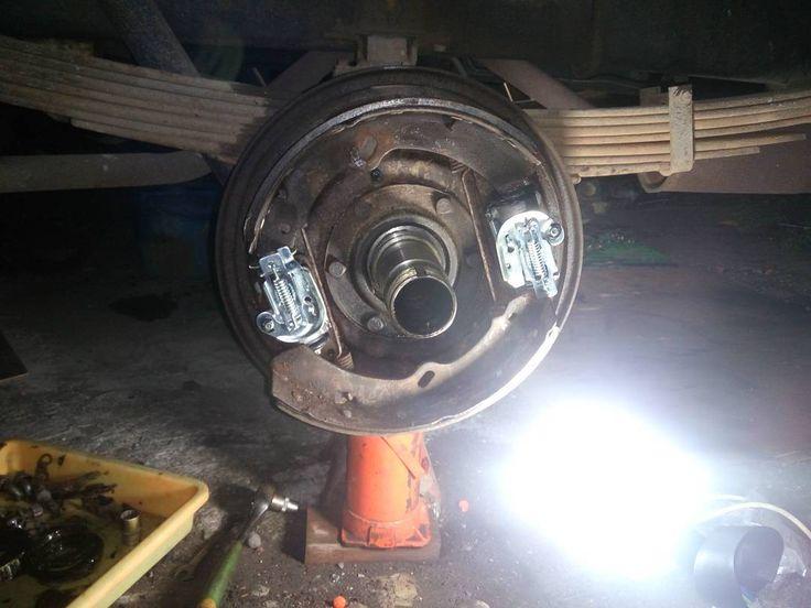 Replacing wheel brake cylinder.. till the middle of night... ula la .. #vpsautocustom  #service #mechanical #mechanic #mechaniclife  #truck #daihatsu