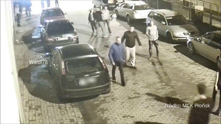 BRUTALNE pobicie mężczyznę KOPANO po głowie i brak reakcji Policji - Policja dopiero będzie szukać poszkodowanego chłopaka, według Policji nikt nie zgłosił informacji o pobiciu. 17 marca 2017 r. między 21 a 22, na ulicy Karulaka kamery monitoringu MCK utrwaliły moment pobicia. Świadków brutalnego pobicia było wielu. Pracownicy MCK w momencie zajścia - widząc obraz z kamery monitoringu od strony ulicy Karulaka - wezwali policję, ale patrol przyjechał i odjechał  https://youtu.be/3WK1Tu1zqa0