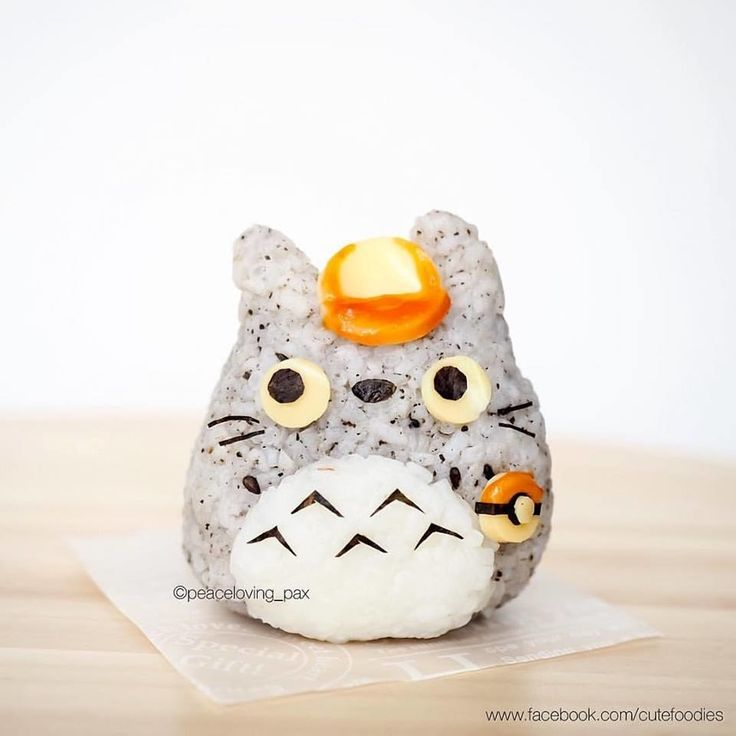 It's not just Pokémon either! Here's a little Totoro rice ball from Studio Ghibli dressed up as a Pokémon trainer: | 11 Pokémon Rice Balls That Are Too Cute To Actually Eat