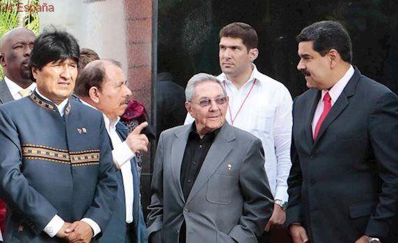 Evo Morales participa en un acto en homenaje a Chávez en Caracas, tras viajar a Cuba por motivos de salud