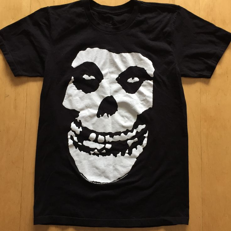 🎶...Die Die My Darling...🎶 Size (S) Gently Pre Loved T-shirt This shirt rocks. 100% cotton, size Large. Iconic Crimson skull on the front. no returns on clothing that doesn't fit   #misfits #danzig #punk #cbgbs #devillock #jerryonly #crimsonskull #horrorbusiness #legacyofbrutality #lastcaress #diediemydarling #138 #weare138 #hybridmoments #whereeaglesdare #helena #rocktee #rockandroll #goth #gothsofig #diypunk #punkgirls #gothgirls