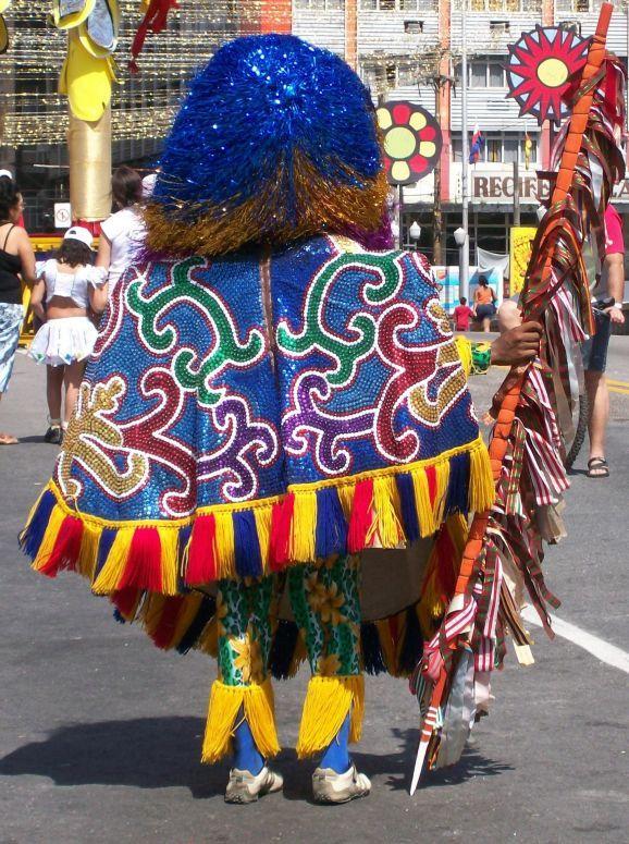 Caboclo de lança no carnaval do Recife.