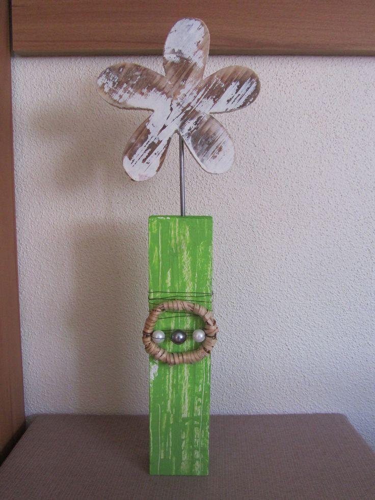 Holzpfosten Blume * Wooden Block with Flower