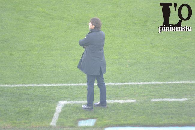 Cagliari Rastelli rammaricato dopo il pareggio a Pescara