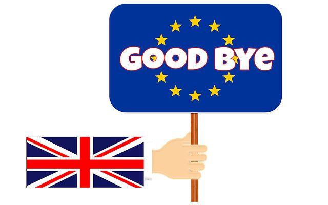 Studiare in UK: le conseguenze del brexit Gli inglesi hanno votato, vogliono lasciare l'Unione Europea. Le conseguenze di questa decisione non sono ancora definite ma in molti si chiedono cosa cambierà. Sarà ancora possibile studiare in UK?  #brexit #uk #lingue #studiare #estero