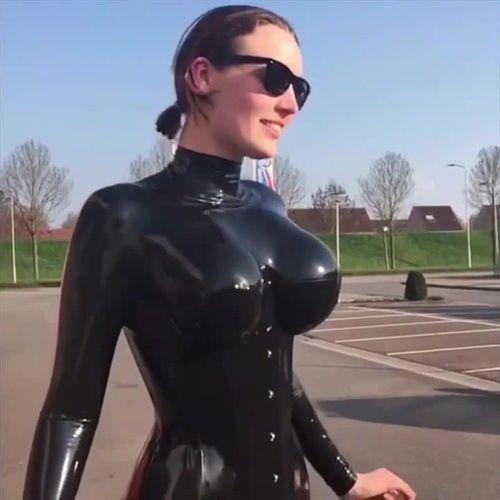 jump boobs
