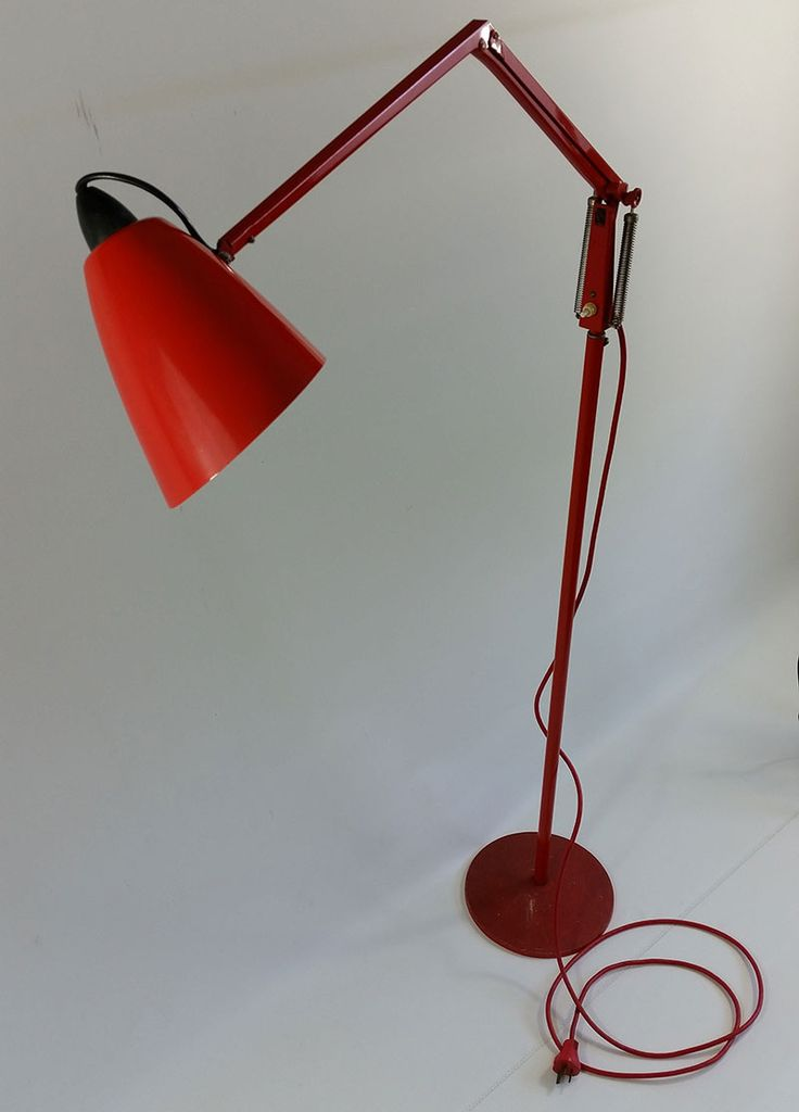 Retro vintage red floor lamp, planet lamp shade design. Stands over one meter tall with flexible arm. In good working order with Australian socket plug.