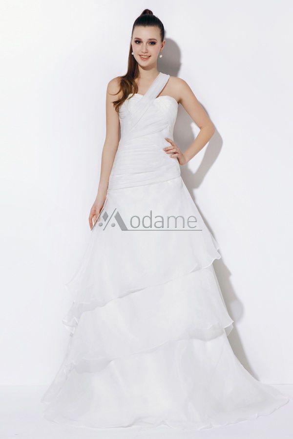 Modame.it offre gli abiti da sposa di diversi stili, qui ci sono abito da sposa corto, abiti da sposa semplici ed altri abiti da sposa e cerimonia da scegliere