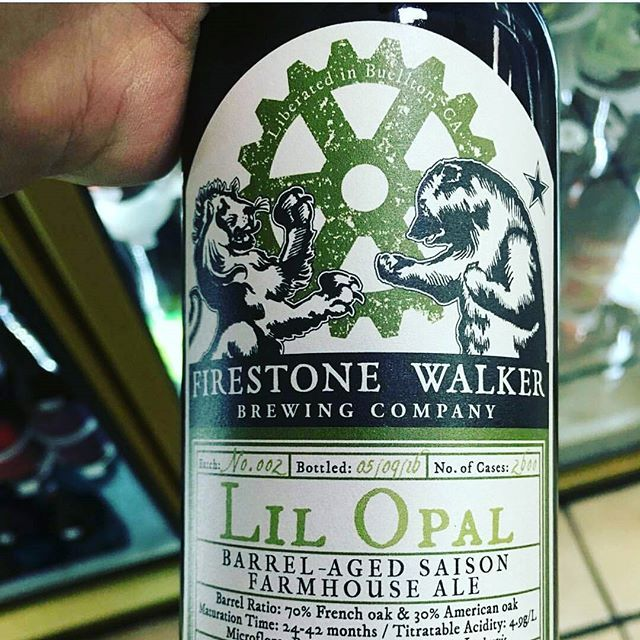 We really love this @firestonewalker #bottle - Incredibly sharp image with great #bicycle imagery - Thanks @california_keg !! #farmhouse #ale #california #beer @californiawildales @californiadonuts @california_liquor_south_park