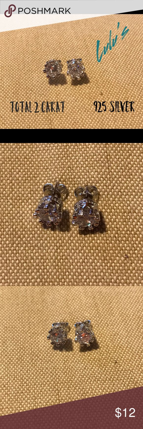 💎 CZ diamond earrings 💎 1 carat watch for a total of 2 carats, 925 silver, flawless stones sparkle like the real thing. Cute for everyday jewelry         ♥️offers welcome        ♥️fast shipping         💔no trades  Item #001 Jewelry Earrings