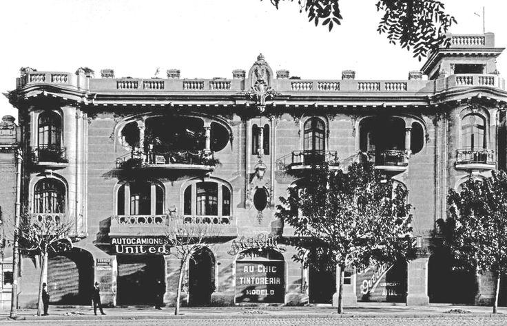 Actual Colegio de Arquitectos, Santiago. Arq. Luciano Kulczewski, 1920