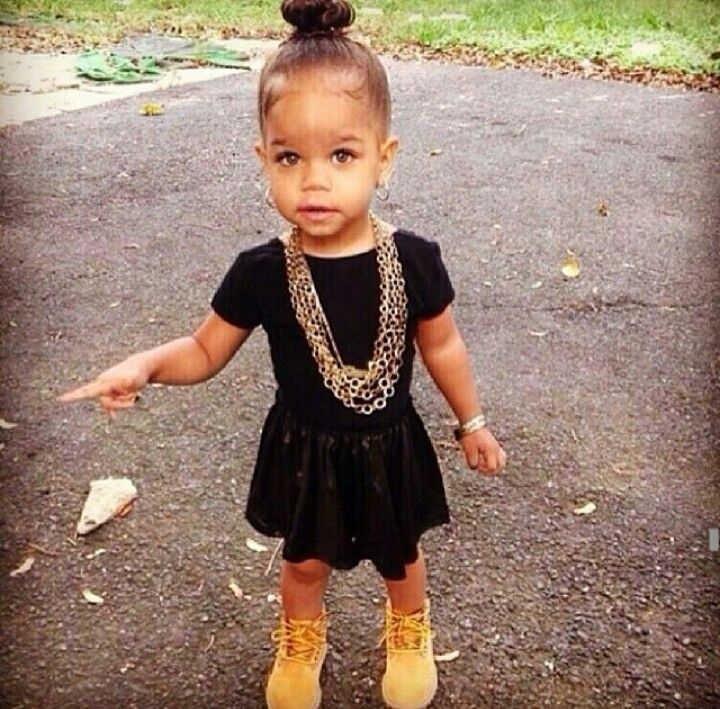 This little girl is ssooooo cute, but if she were mine, she wouldn't be wearing Tims with this fit.