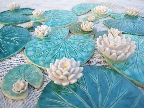 Items op Etsy die op Lelieblad coaster met bloem keramische groene blad zomertijd Waterlily groen smaragd, MADE TO ORDER lijken