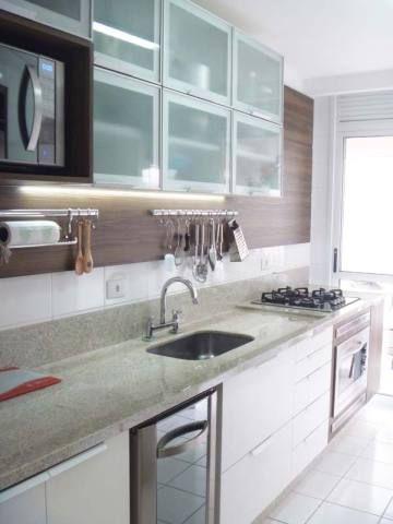 Cozinha projetada por Rosana Portes.