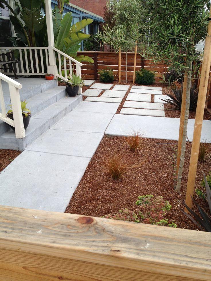 A small front yard in Santa Cruz