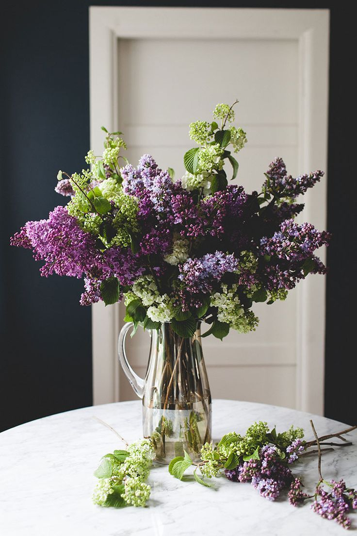 A Simple Statement Making Lilac Bouquet Diy Jojotastic Lilac Bouquet Lilac Flowers Flower Centerpieces