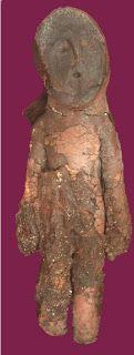 Cultura Chinchorro :El sitio también es la nucleo poblacional de la Cultura Chinchorro, de entre aproximadamente 5000 a 500 antes de Cristo. Cultura comtemporanea a la cultura Caral y cultura Valdivia.