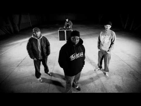Artist: Slums Attack feat. O.S.T.R. & Jeru the Damaja Song: Oddałbym Genre: Rap