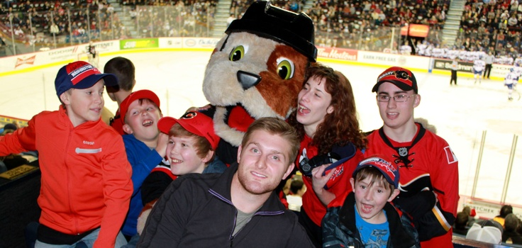 Karl Alzner (Washington Capitals) & Dennis Wideman (Calgary Flames) were our special guests at a recent Hitmen game...thanks guys!!