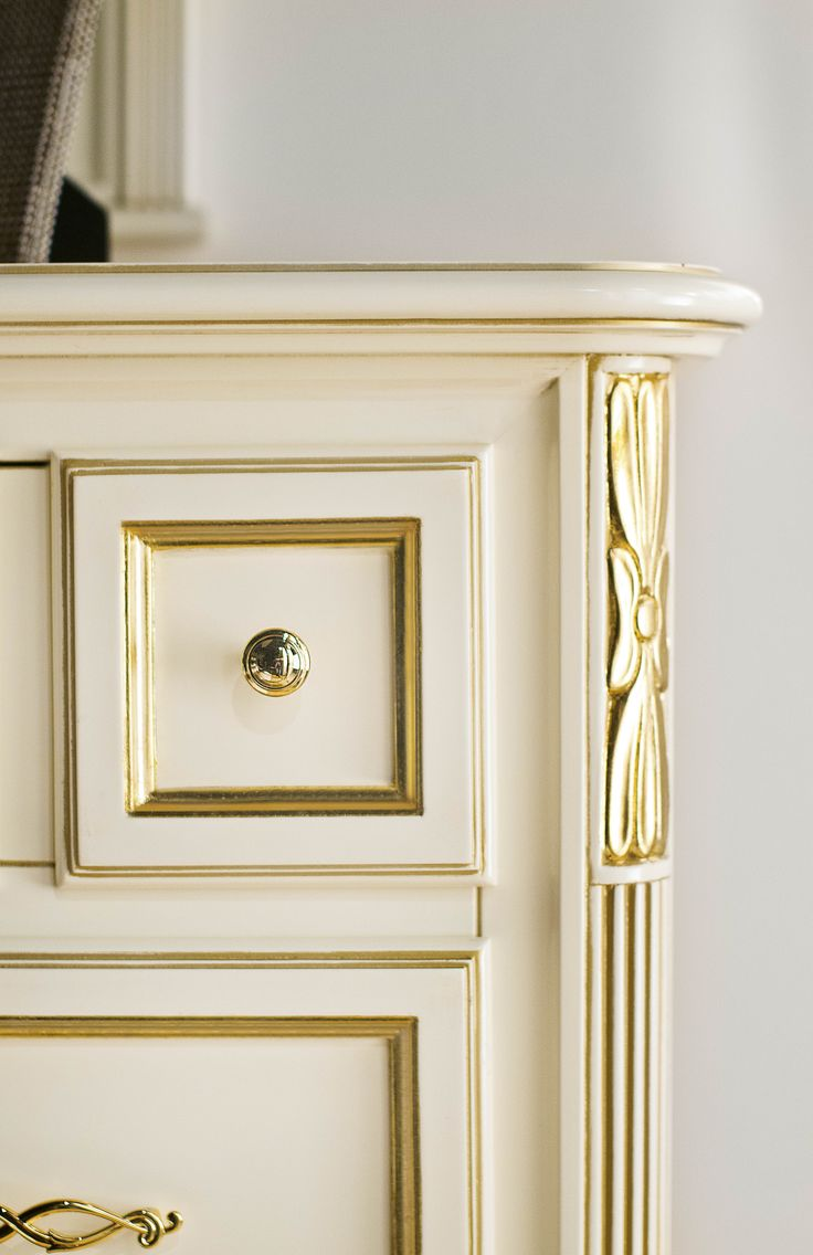 Chest of Drawers - Fine details - Colectia Marco Polo
