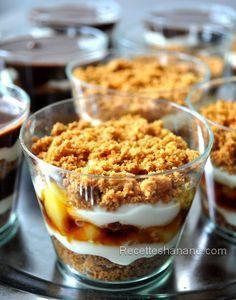 Un dessert facile et idéal si vous recevez beaucoup de monde ou pour un buffet par exemple, la version choco je l'ai déjà publié ici, l'autre version est à base de pomme-caramel, la voici : Les ingrédients : Des biscuits spéculoos Les pommes: 4 pommes...