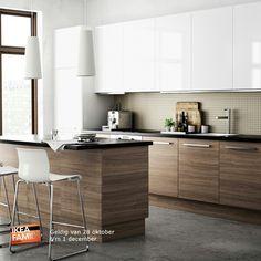 Ikea kitchen: love the lower cabinet finish