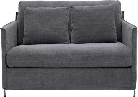 Soffa Petito 1,5-sits är en bekväm liten soffa/större fåtölj med stomme som är byggd av massivt trä i alla bärande delar.