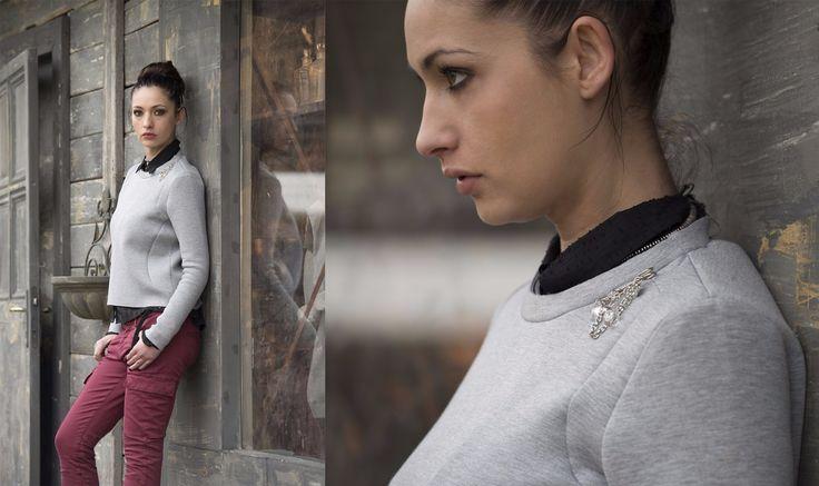 #pantalone in raso stretch molto confortevole, una #camicia in crepe ricamato e un #top in #neoprene.  #40weft #womanfashion #mystile www.40weft.com