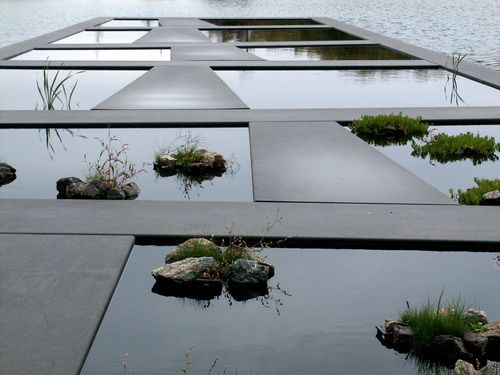 Detail of Water Garden, Bordeaux Botanical Garden. La Bastide, Bordeaux, France. 2000–02. Catherine Mosbach, Mosbach Paysagistes, Paris, France. Photo: C. Mosbach/Mosbach Paysagistes
