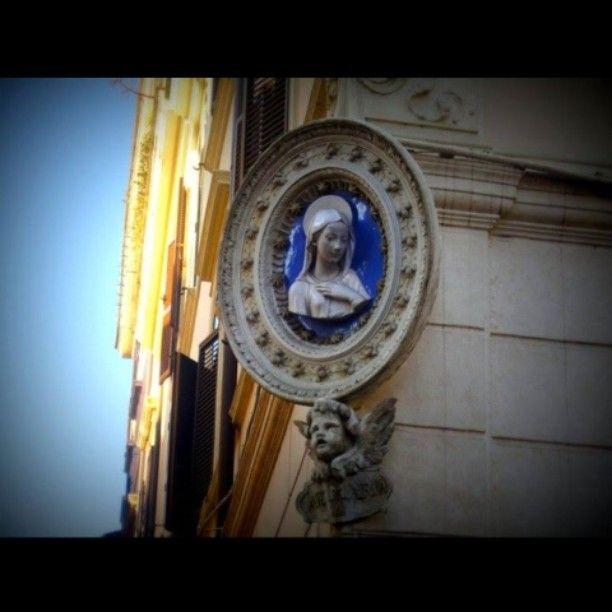 """""""O Vergin Diva, se prosteso mai / Caddi in membrarti, a questo mondo basso""""  #Semprecaromifu @Futura Festival Civitanova Marche #scritturebrevi @fchiusaroli foto scattata a Roma febbraio 2012"""