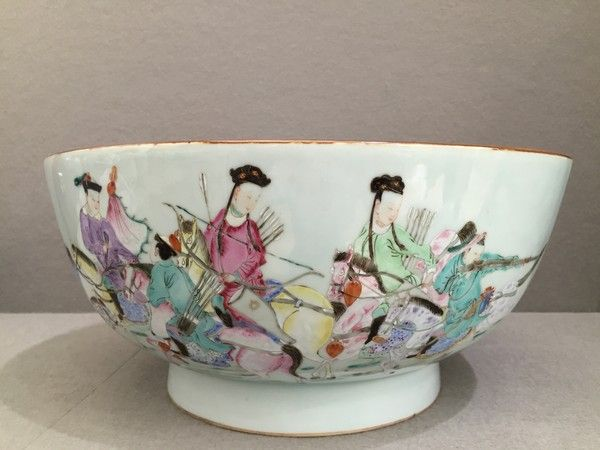 A Rare Chinese 'Famille-Rose' 'Mandarin Hunting Party' Porcelain Punch Bowl, Qing Dynasty, Qianlong Period : The British Antique Dealers' Association